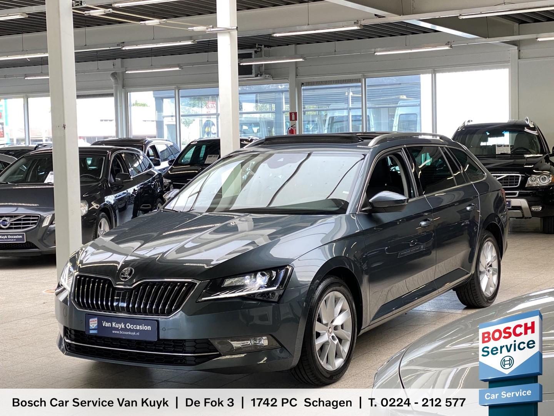 Škoda Superb combi 1.6 tdi ambition business automaat / schuifdak / panodak / navi / stoelverwarming / e-kofferklep / trekhaak / lmv 17' / enz.