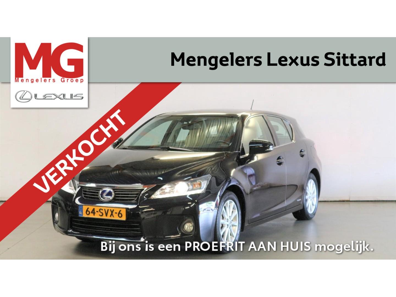 Lexus Ct 200h 136pk business line pro ,  parkeersensoren voor & achter!