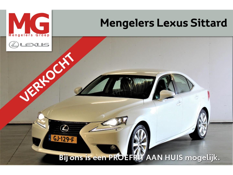 Lexus Is 300h 223pk business line pro, trekhaak!