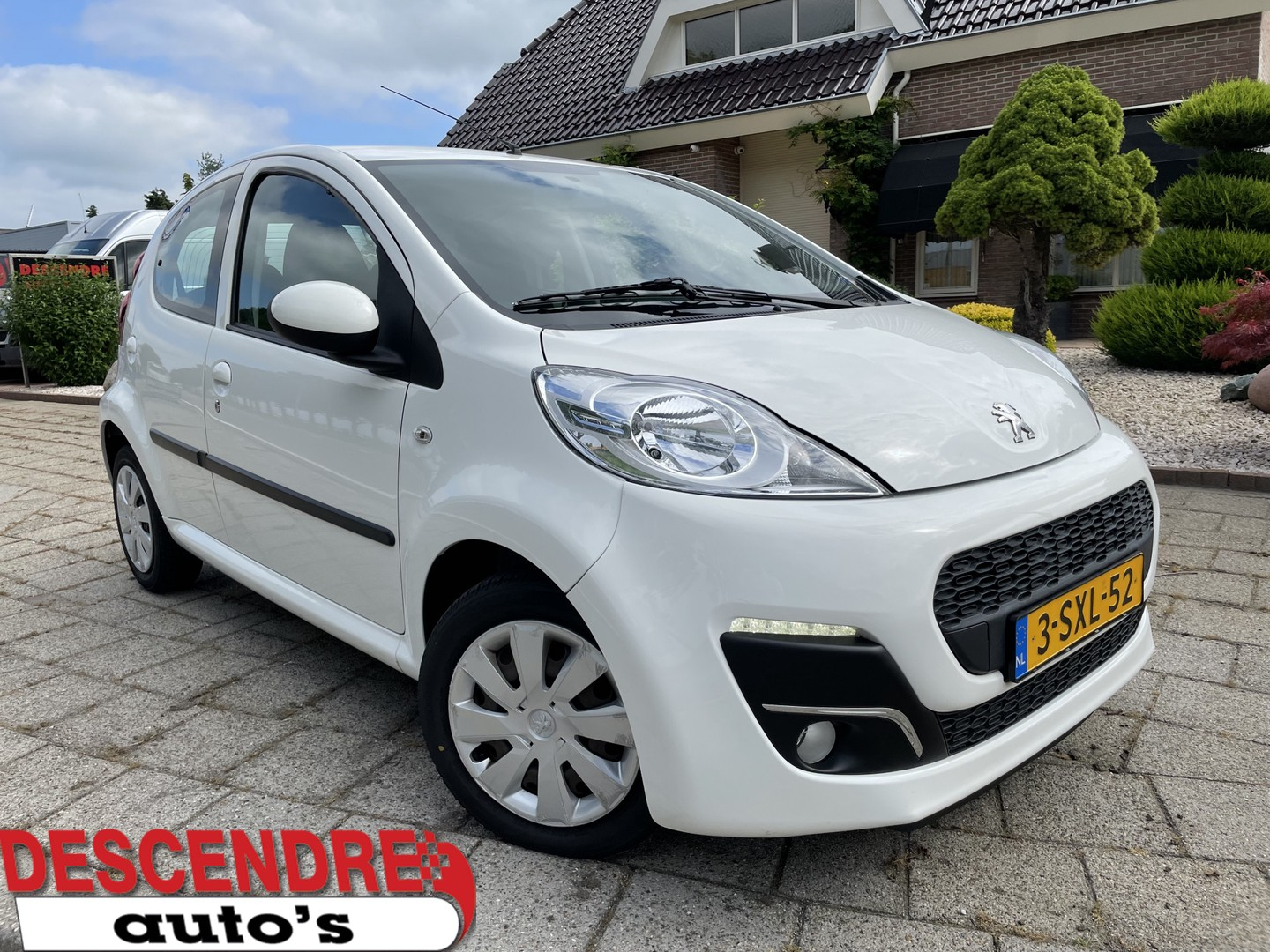 Peugeot 107 1.0 active 5 drs airco nl auto geen import