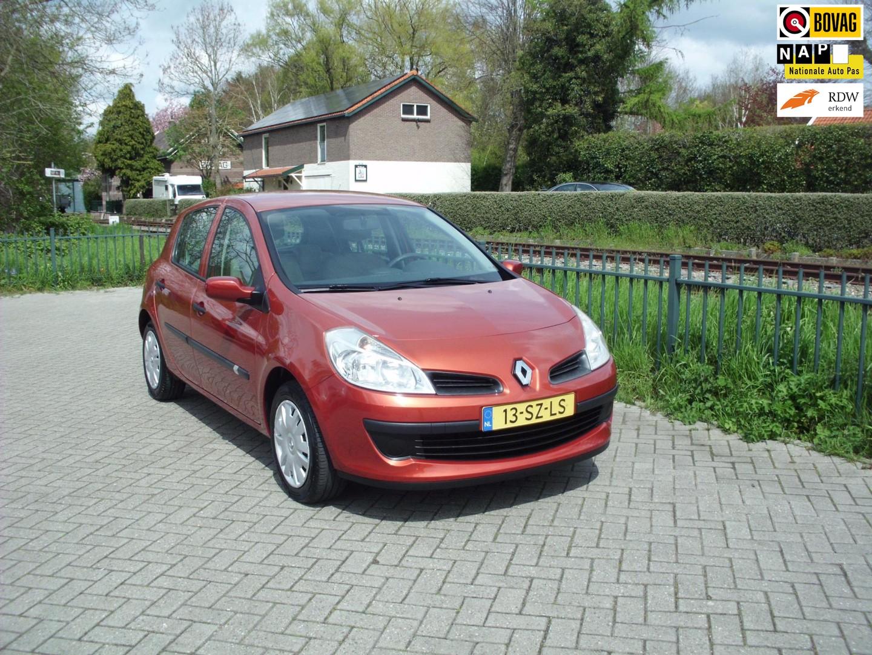 Renault Clio 1.4-16v expression 5deurs nieuwe distrubutie rijklaar
