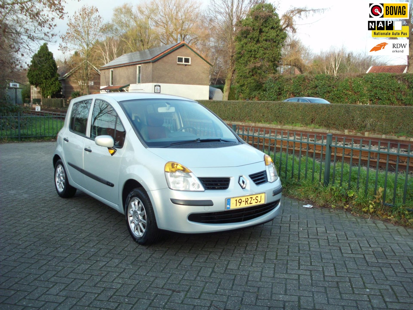 Renault Modus 1.4-16v expression luxe airco rijklaar