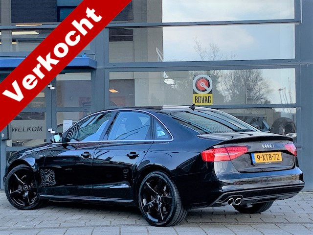 "Audi A4 1.8 tfsie limited s-line turbo / airco / all-black / navigatie / 19"" rotor lm velgen / vol leder sport int / 1e eigenaar!"