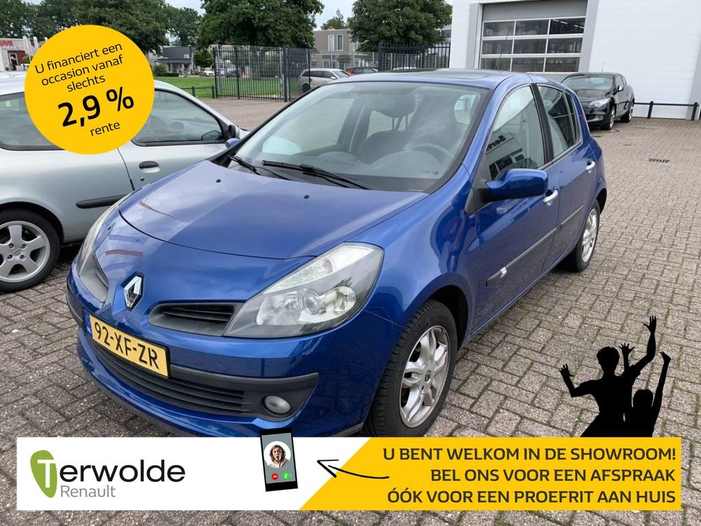Renault Clio 1.2-16v exception 5 deurs panoramadak