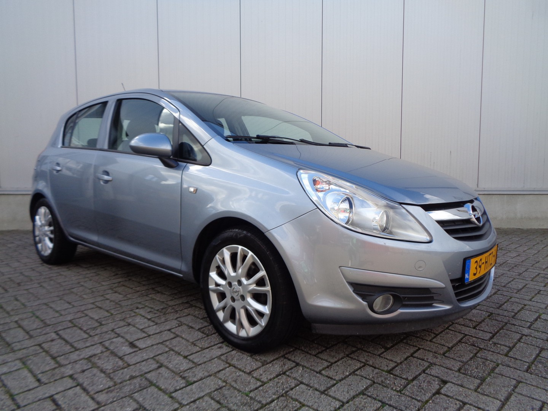 Opel Corsa 1.4-16v edition 90pk airco cruise lmv