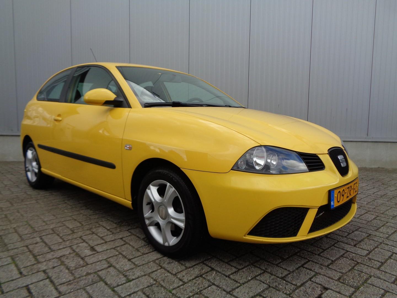 Seat Ibiza 1.4-16v trendstyle 86pk airco cruise lmv