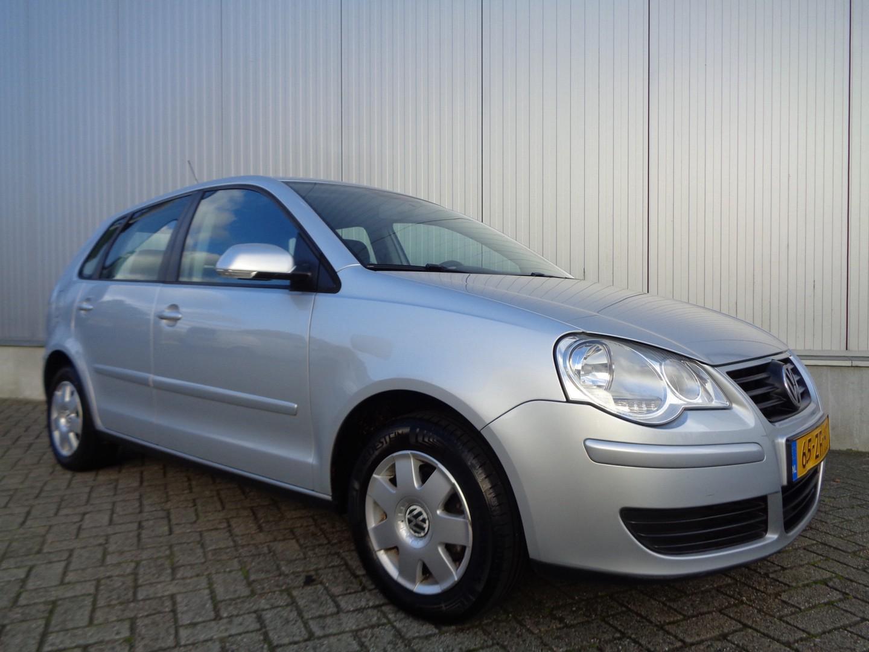 Volkswagen Polo 1.4-16v optive 81pk, 5 drs, airco en 140dkm!