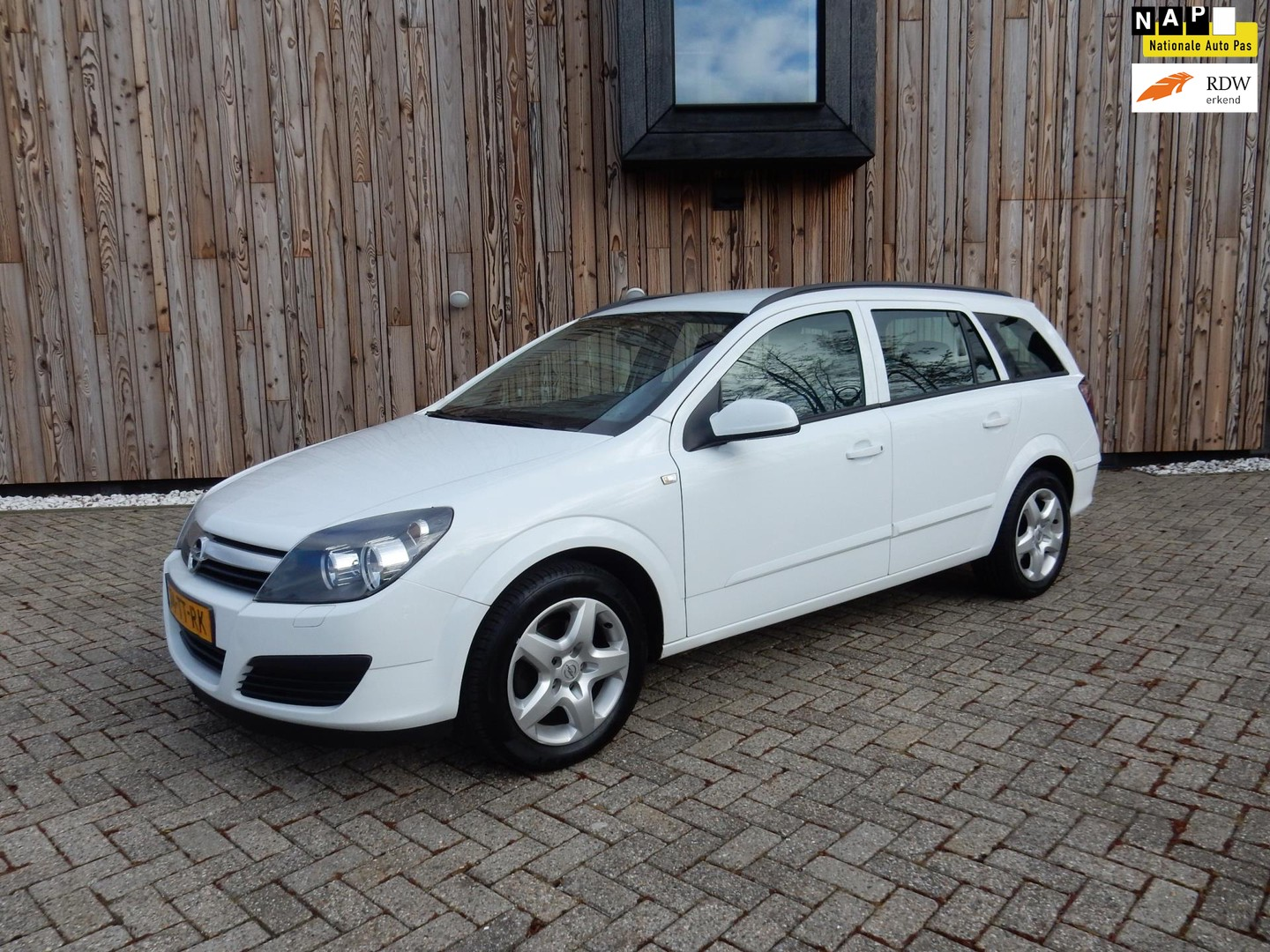 Opel Astra Wagon 1.6 business cruise nieuwe apk bj 2007!