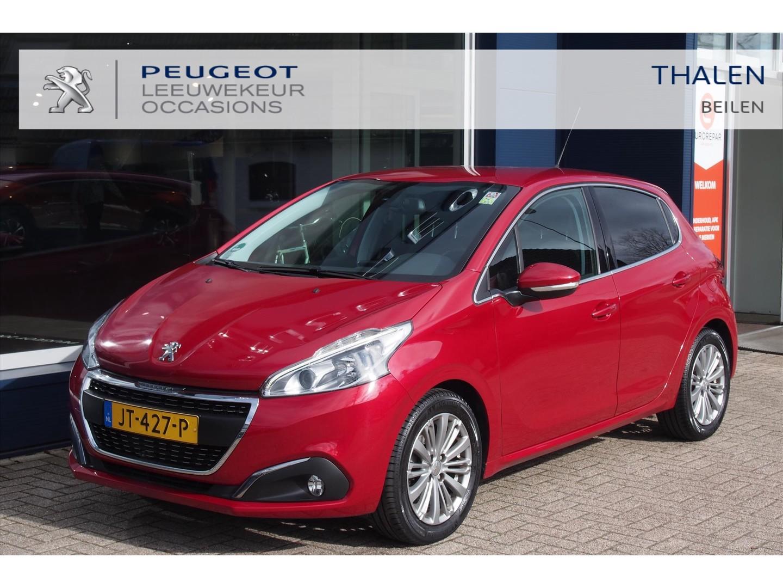 Peugeot 208 Allure 110 pk turbo / trekhaak / navigatie / climate control / lichtmetalen velgen / armsteun / parkeerhulp
