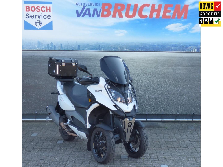 Quadro  Scooter qv3 automaat, 29pk , rijden met b-rijbewijs ! ( voor januari 2013), max. 130km/h , topkoffer, handvatbescherming