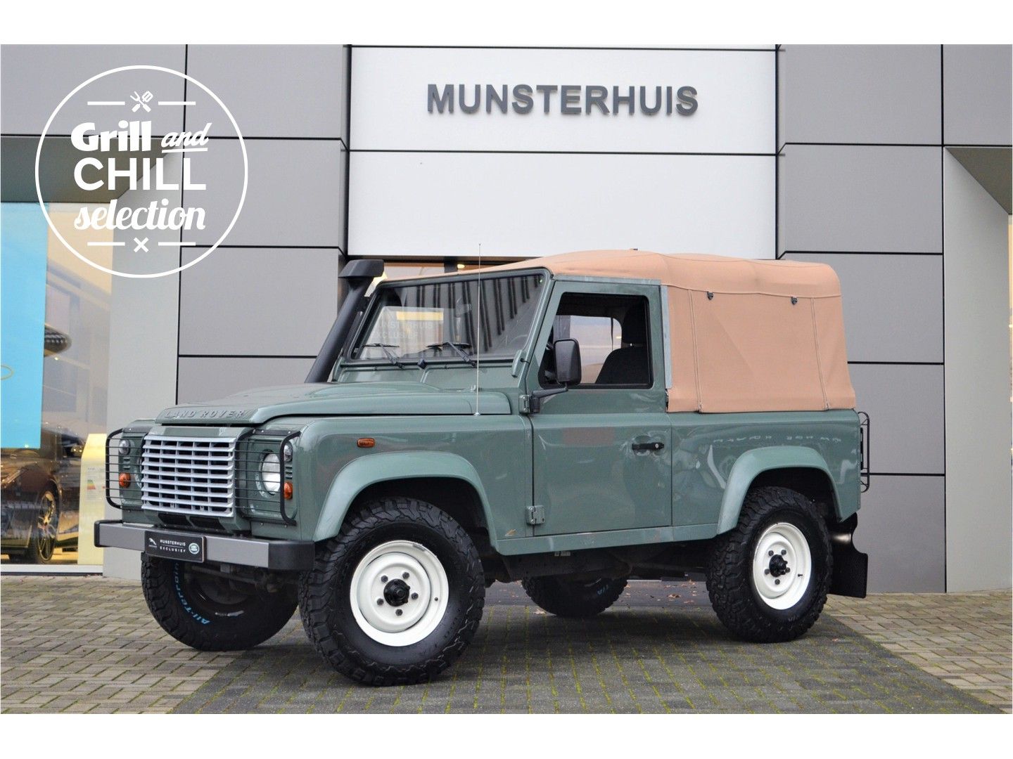 """Land rover Defender 2.4 td soft top 90"""" classic"""